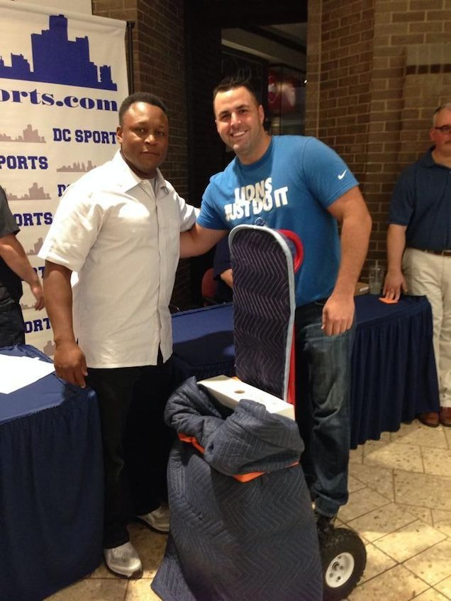 Barry Sanders Signed A Urinal Because Detroit Lions Total Packers Detroit Lions Detroit History Detroit