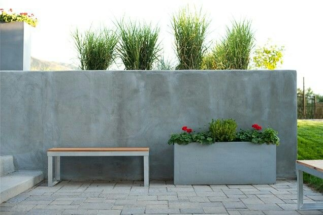 Cinder Block Retaining Wall With Smooth Finishing I Think This Will Work It Look Landscaping Retaining Walls Concrete Retaining Walls Modern Landscape Design