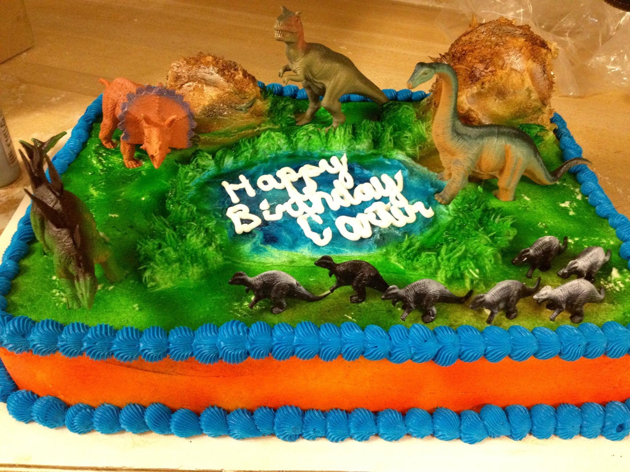 how to make a simple dinosaur birthday cake