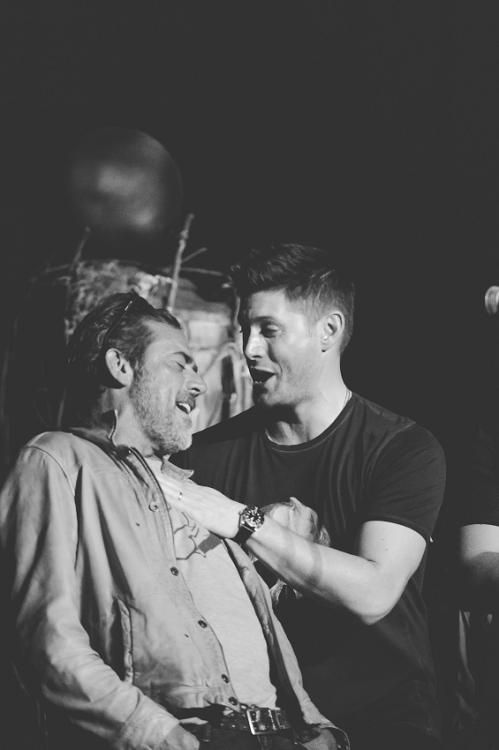 [grumpyjackles: #hashtag still not over this] Jensen Ackles & Jeffrey Dean Morgan - Sat. Night Special - Salute to Supernatural Vegas 2015