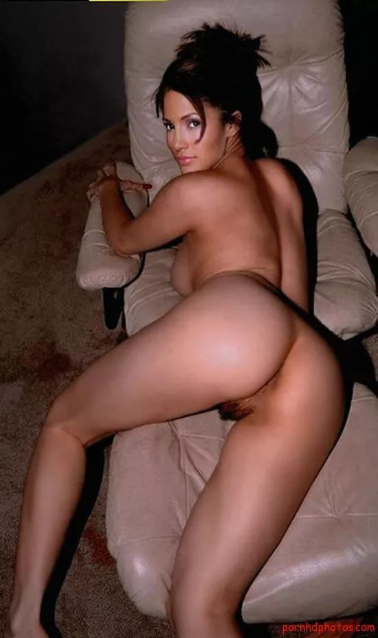 Jennifer lopez showing hairy pussy plus huge big boobs
