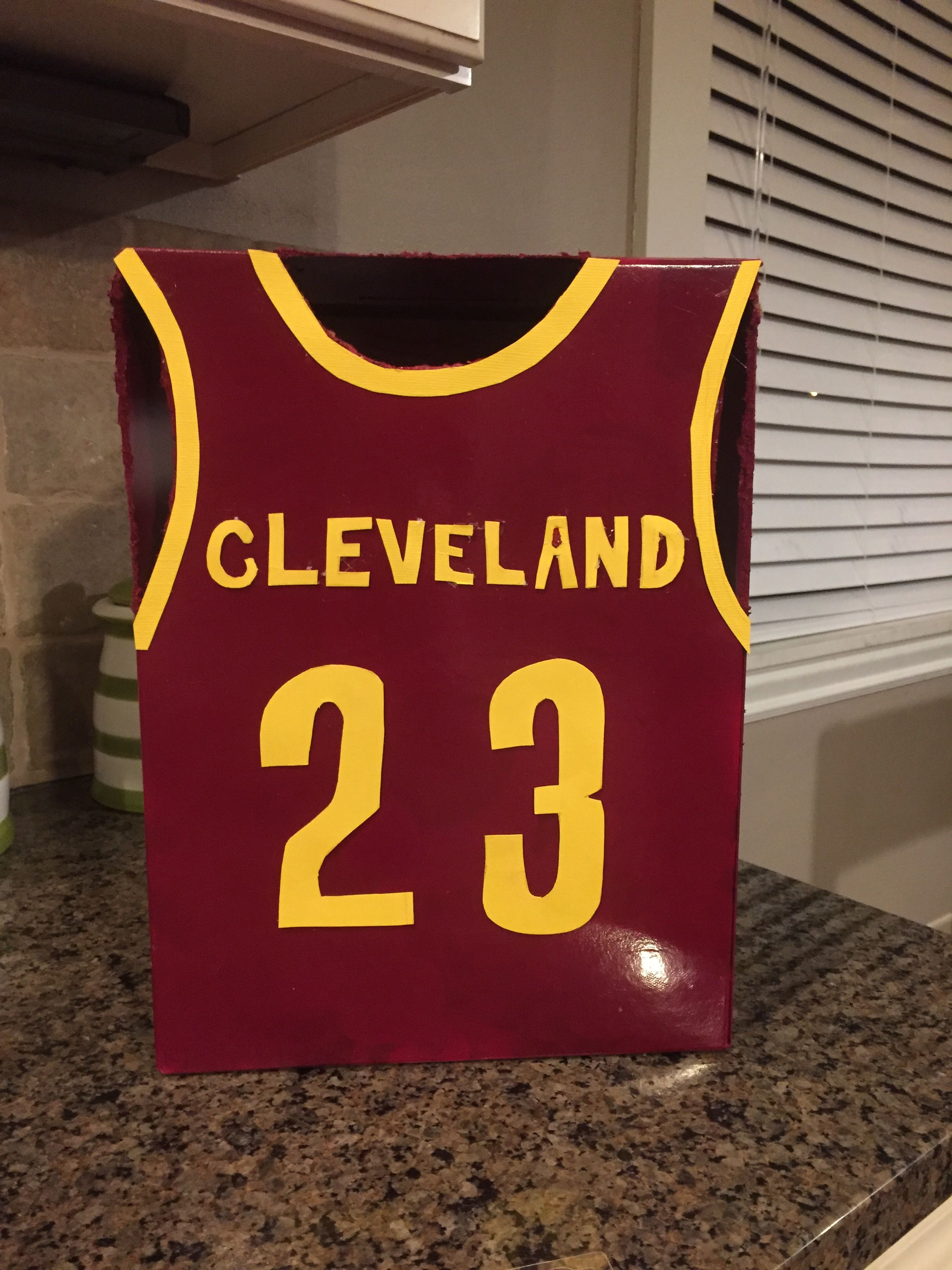 reputable site 09727 77cfc Lebron James valentine box.
