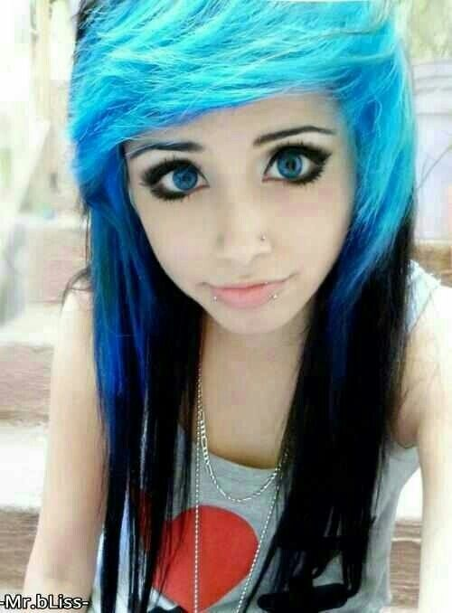 Blue and black scene hair | Scene girls rocking the party ...