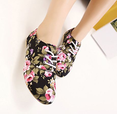 Flowers Print Lace Up Flats
