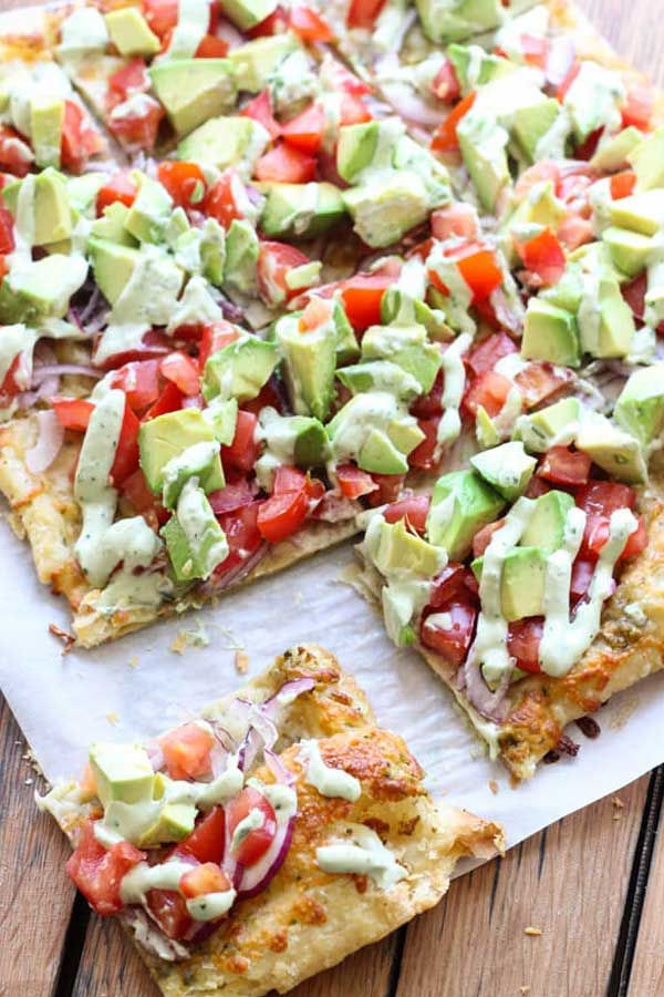 SKINNY AVOCADO PIZZA - Avocado pizza with Avocado Sauce?! Yes! Yes! And more Yes! Can you tell I'