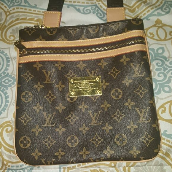 Louis Vuitton bag Only worn once Bags Shoulder Bags