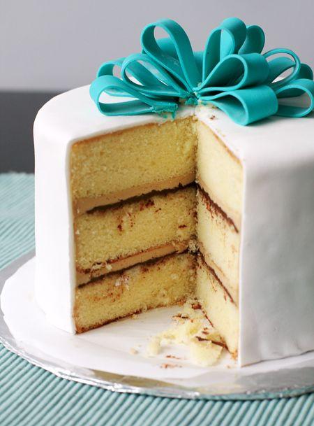 Chocolate and vanilla cake fillings