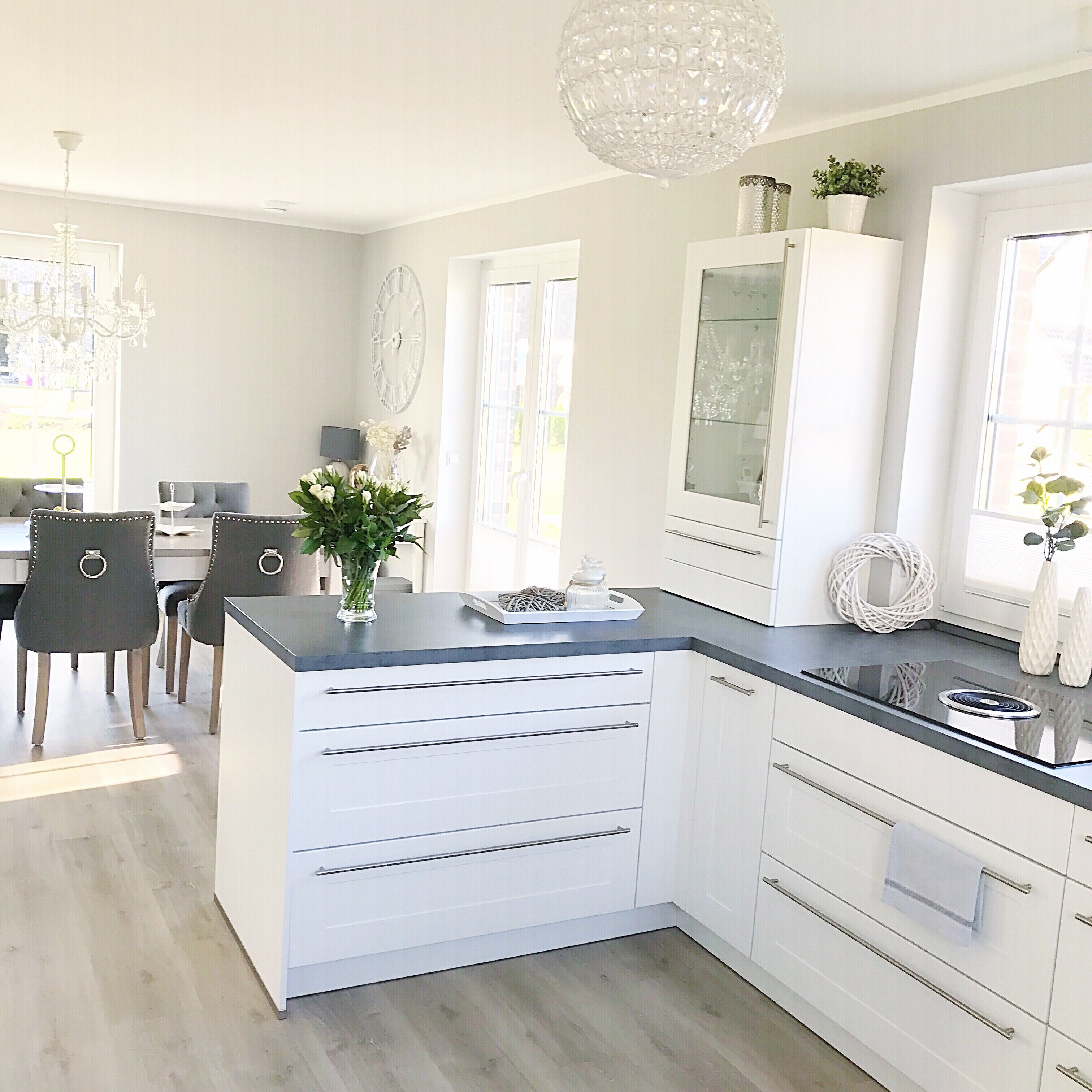 Instagram Wohn Emotion Landhaus Kuche Kitchen Modern Grau Weiss