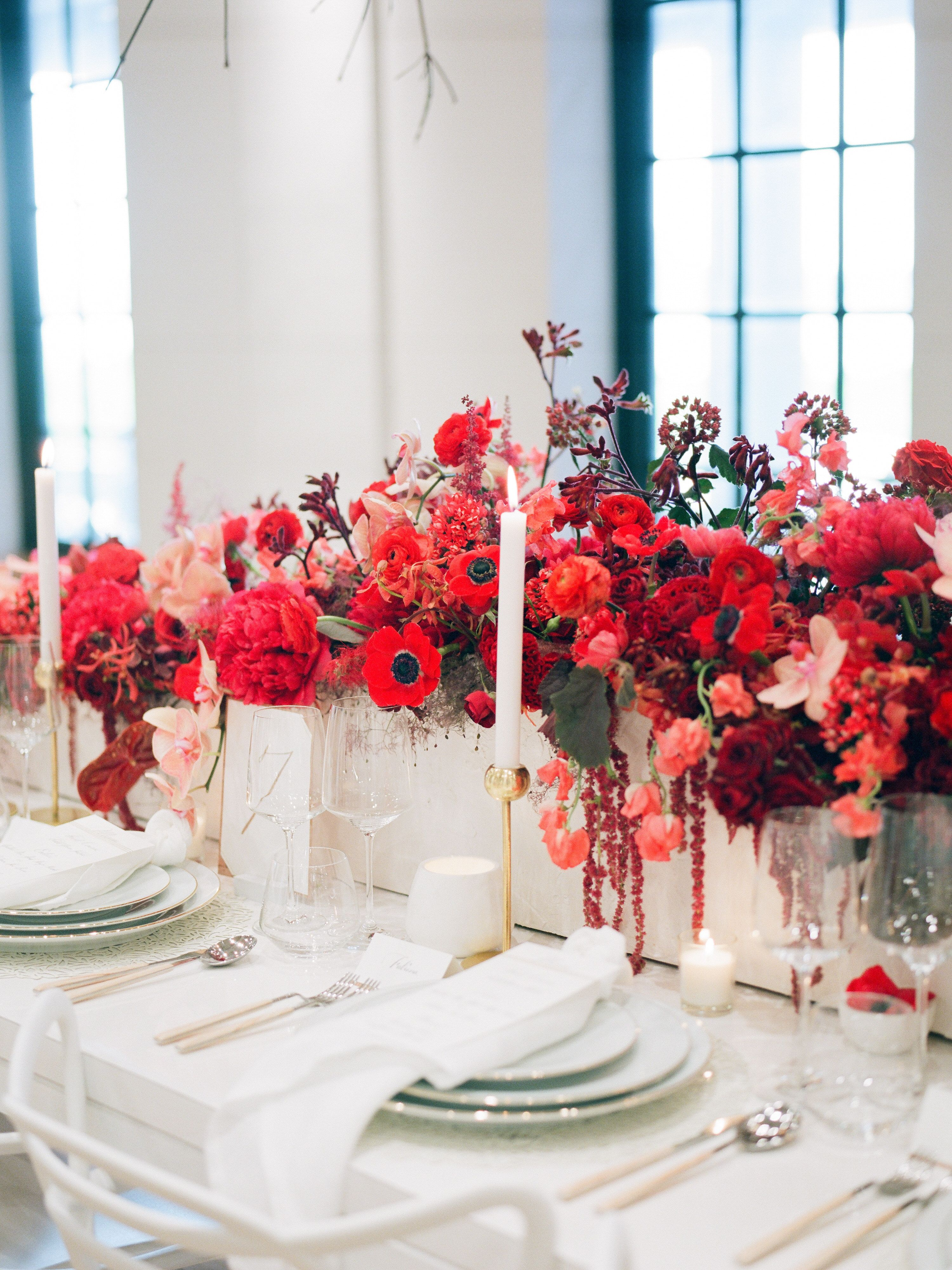 New York City Wedding Photographer Flowers By Rosewoodproductions Tumblr Com 501 Union Photo By Lauren Spine Wedding Flowers City Wedding Cheap Wedding Flowers