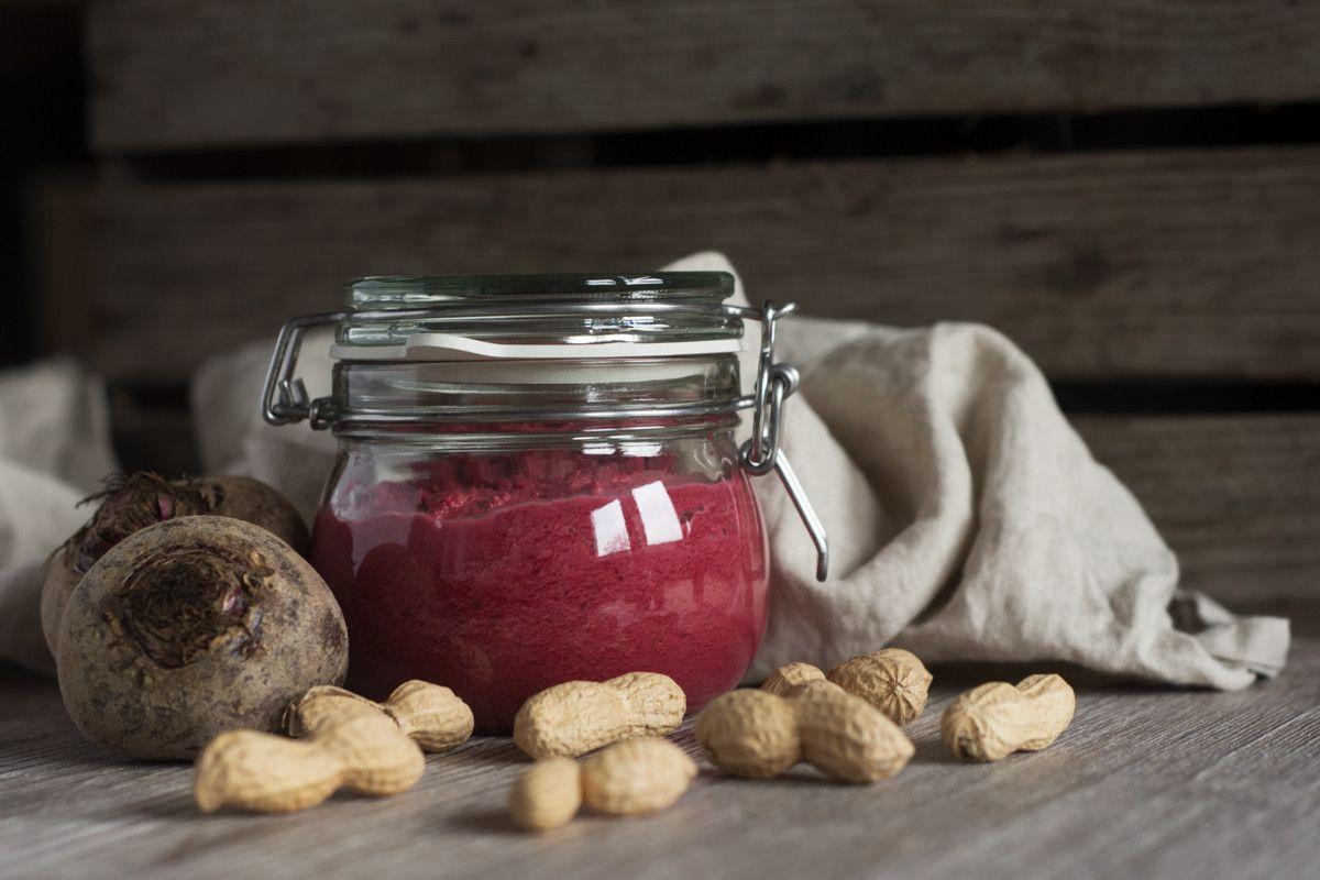 Rote Beete Pesto mit Erdnüssen