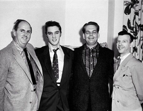 First RCA Contract for Elvis | Elvis, Young elvis, Elvis presley