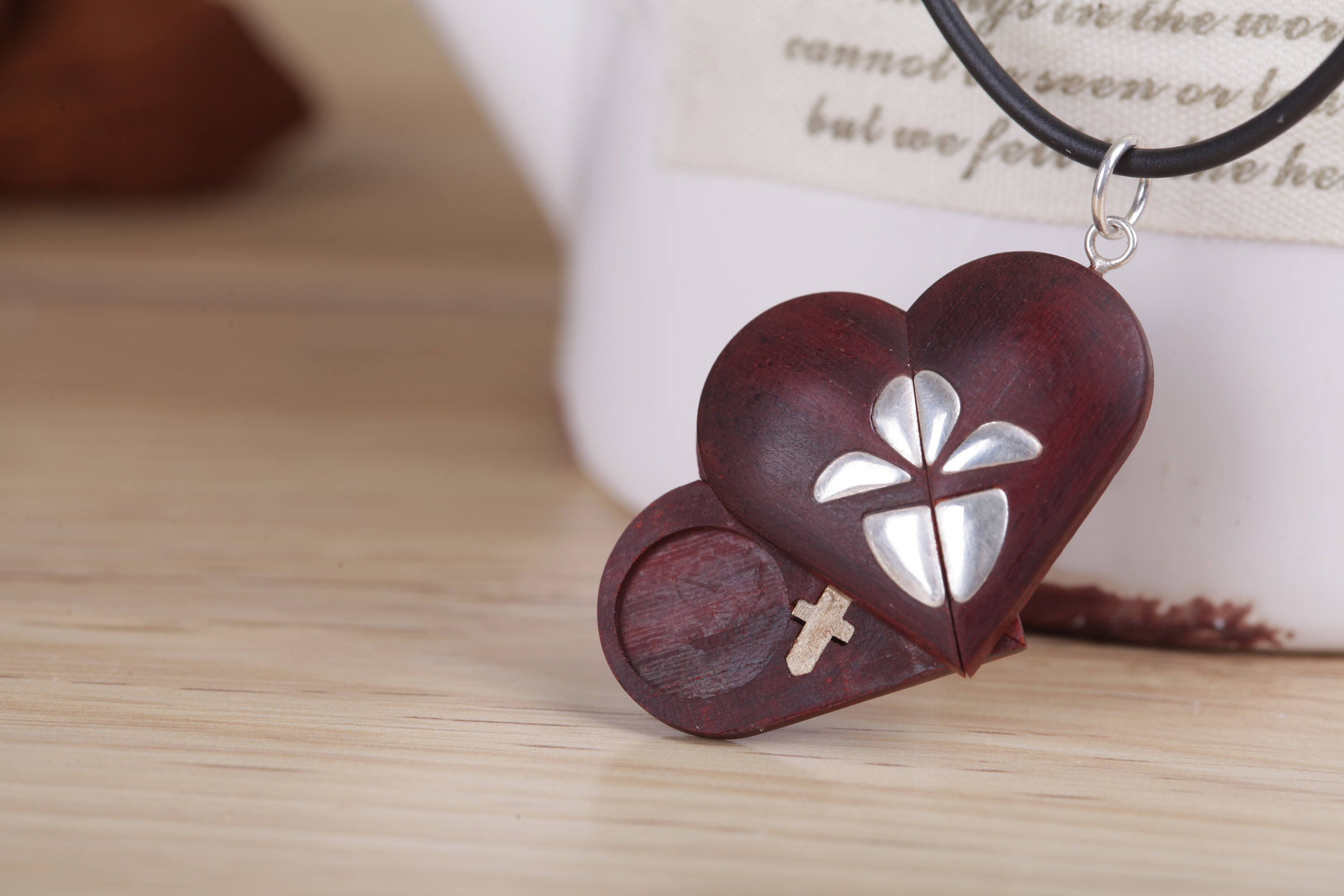 The illusionist locket wood pendantheart locketlove pendantphoto the illusionist locket wood pendantheart locketlove pendantphoto locket aloadofball Image collections