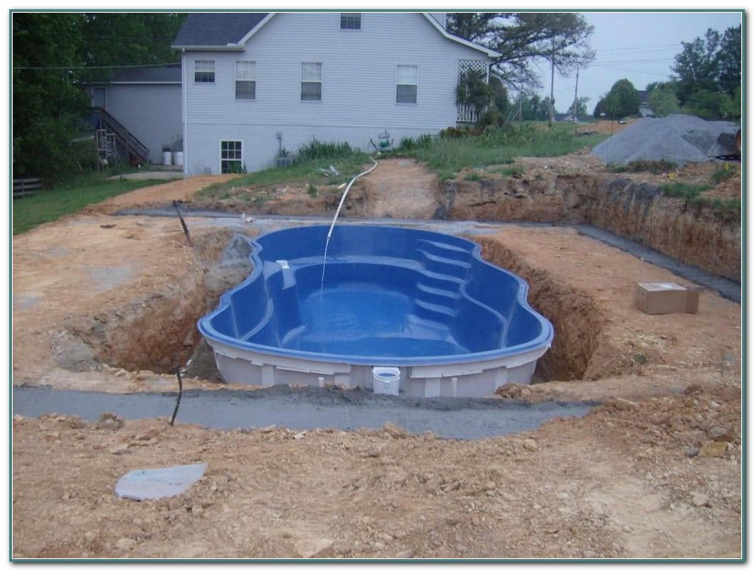 The Best Small Inground Pool Ideas Are Those That Offer You Some More Ways To Explore New Options Small Inground Pool Inground Pool Cost Small Fiberglass Pools