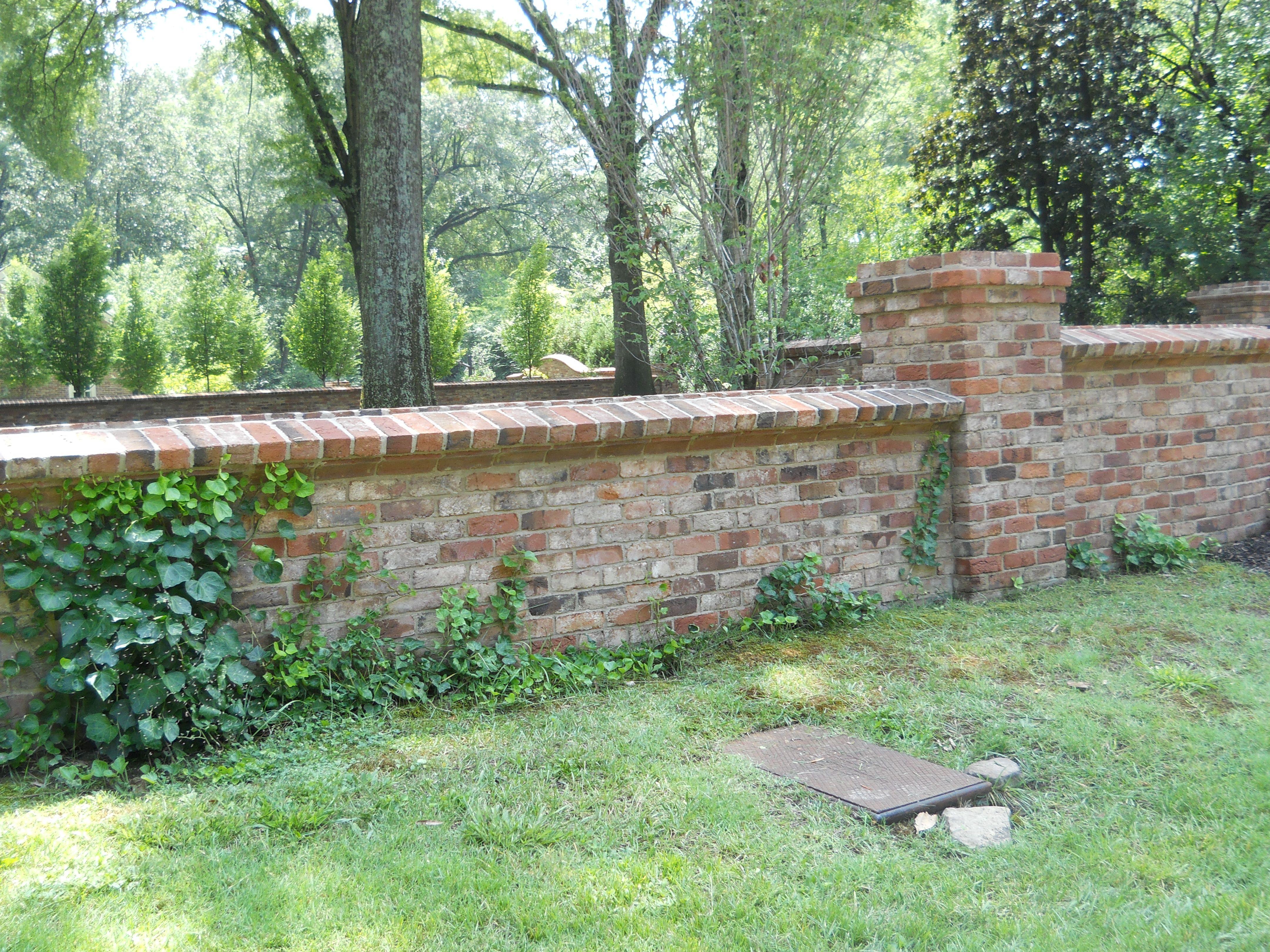 Old Carolina Orleans Handmade Brick Garden Wall In East 400 x 300
