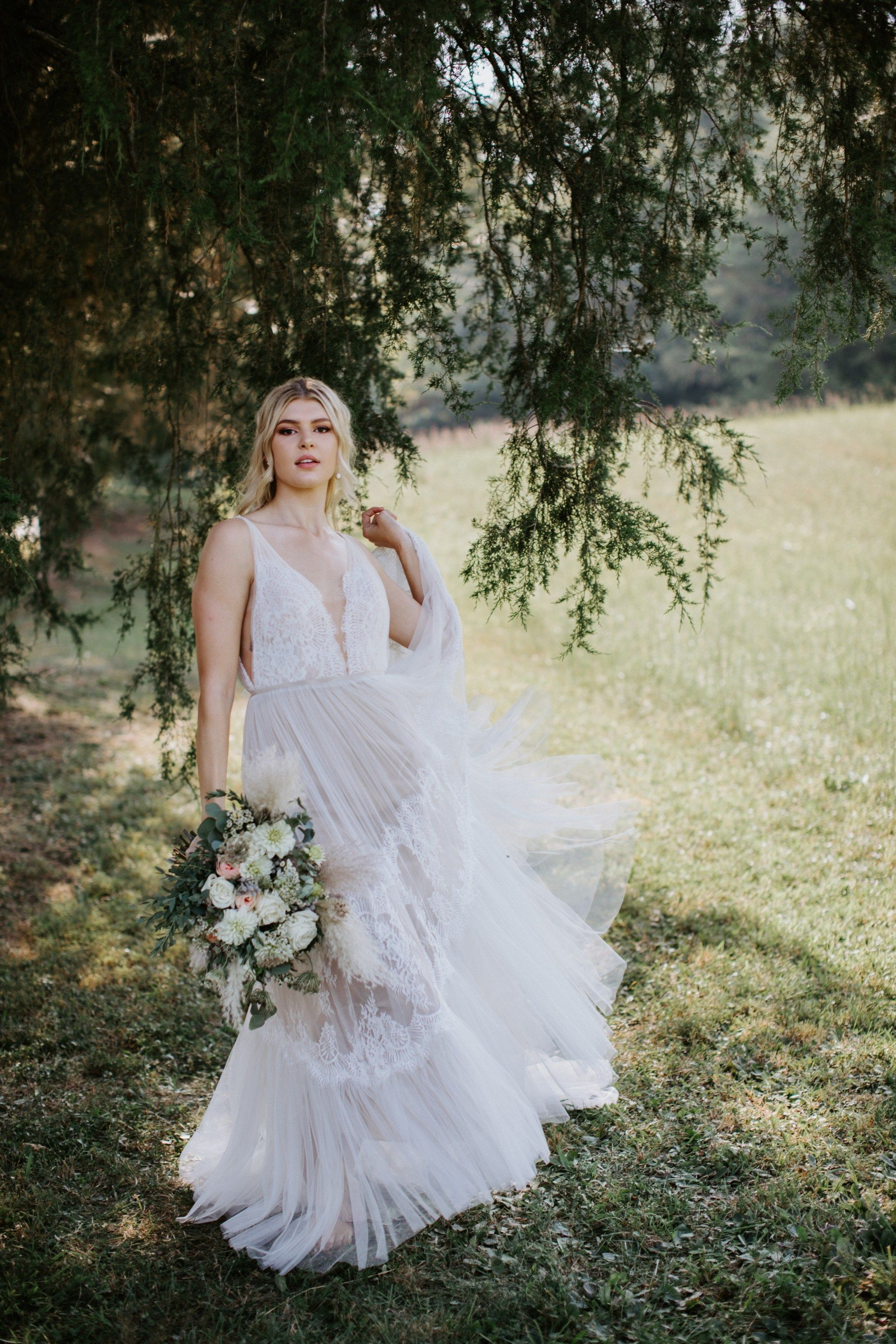Bridal Styled Shoot Willowby By Watters From Lillian Ruth Bride Knoxville Tennessee In 2020 Bridal Styled Shoot Knoxville Wedding Tennessee Wedding
