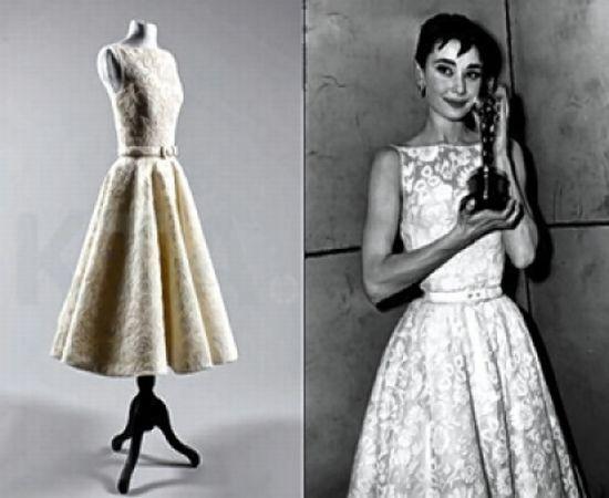 1954-Audrey-Hepburn-Givenchy