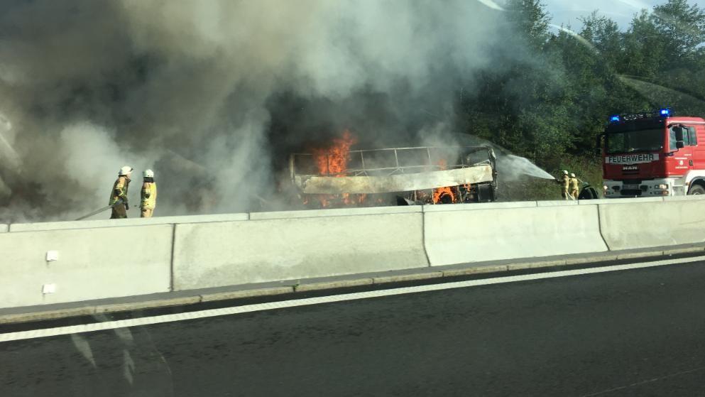 Munchberg Bus Unfall Auf Der A9 In Bayern Feuerwehr Kam Nicht