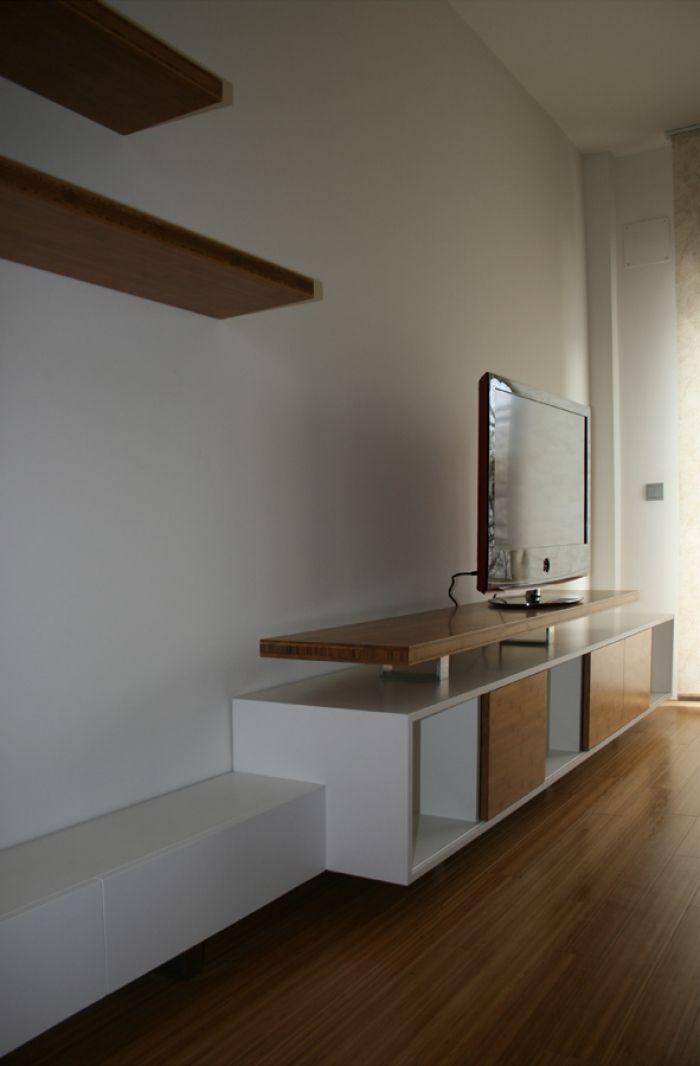 Dise o y fabricaci n a medida de mueble de televisor en madera de bamb h d f lacado blanco y - Muebles de madera a medida ...