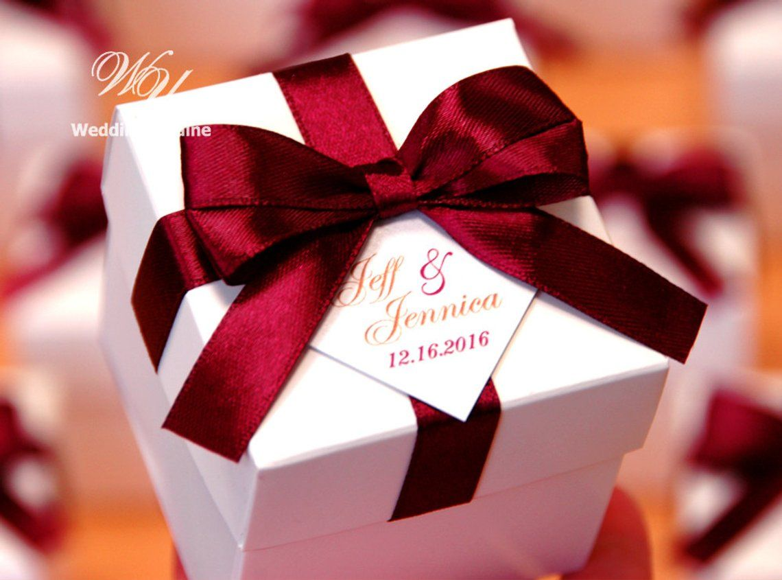 Elegant Wedding Bonbonniere Wedding Favor Boxes With Wine Burgundy Satin Ribbon Bow And Personalized Tag Custom Candy Box For Party Guests Wedding Gift Favors Candy Wedding Favors Wedding Favor Boxes