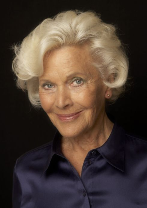 Feisty Former Bond Girl Actress Honor Blackman The English Home