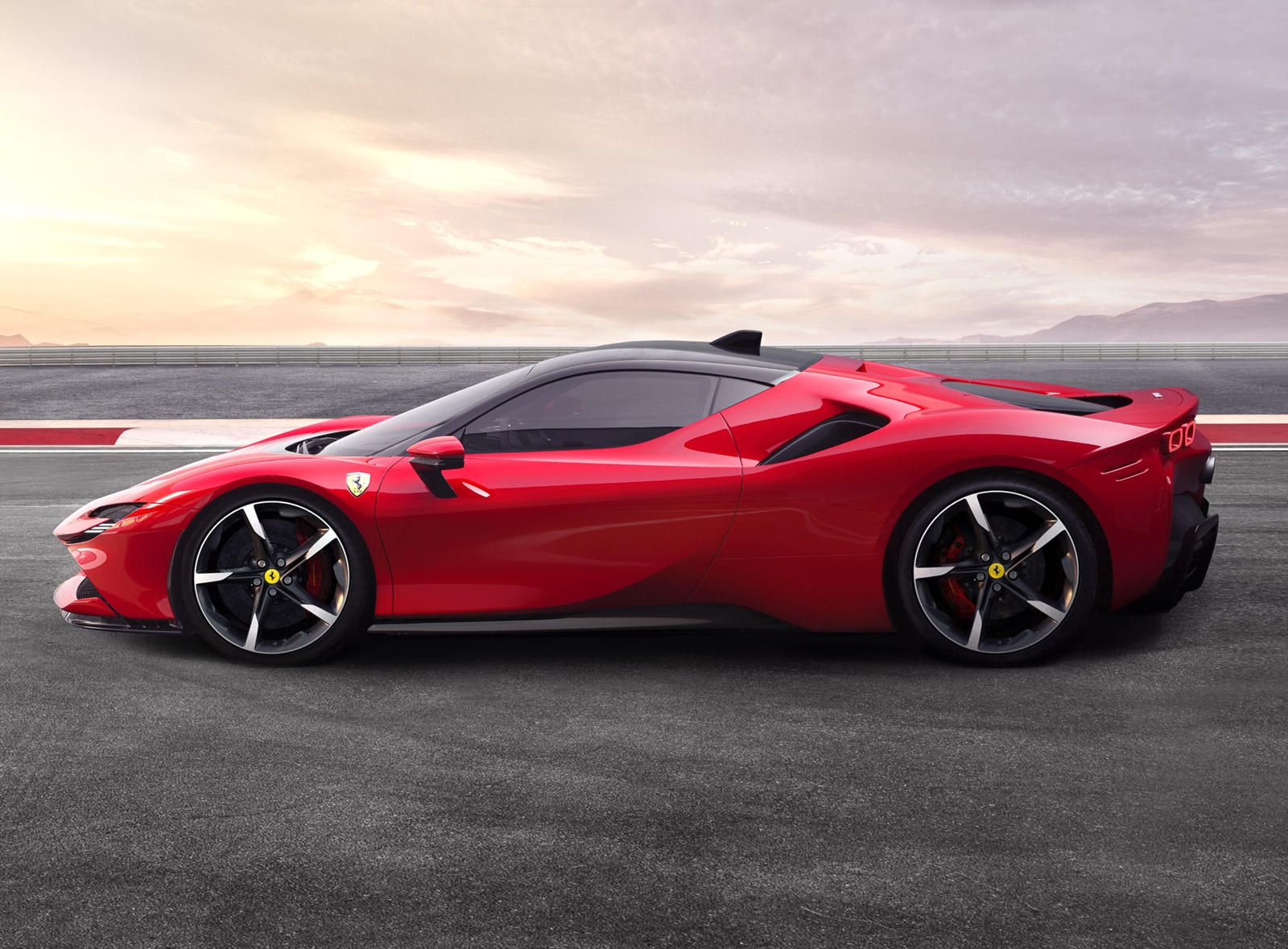 Ferrari Reminds The World Why It Builds The Best Supercars Today S Example The Sf90 Stradale In 2020 New Ferrari Super Cars Ferrari