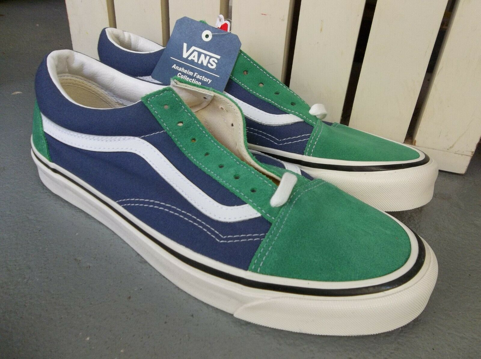 NEW MENS VANS OLD SKOOL STYLE 36 SNEAKERSSHOES SIZE 11BRAND NEW FOR 2019 3299