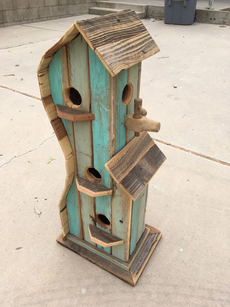 30 birdhouse ideas for your precious garden birdhouse for Simple birdhouse