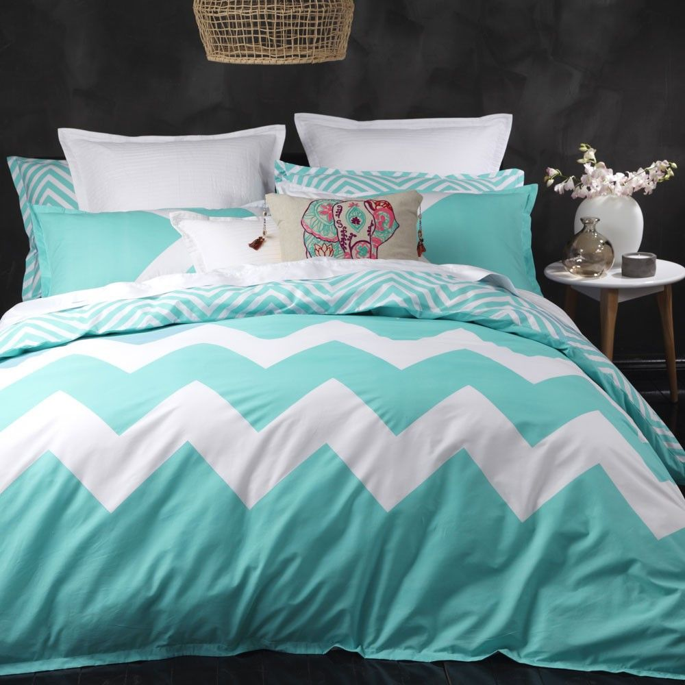 Logan and Mason Marley Aqua Duvet Cover Set Quilt cover