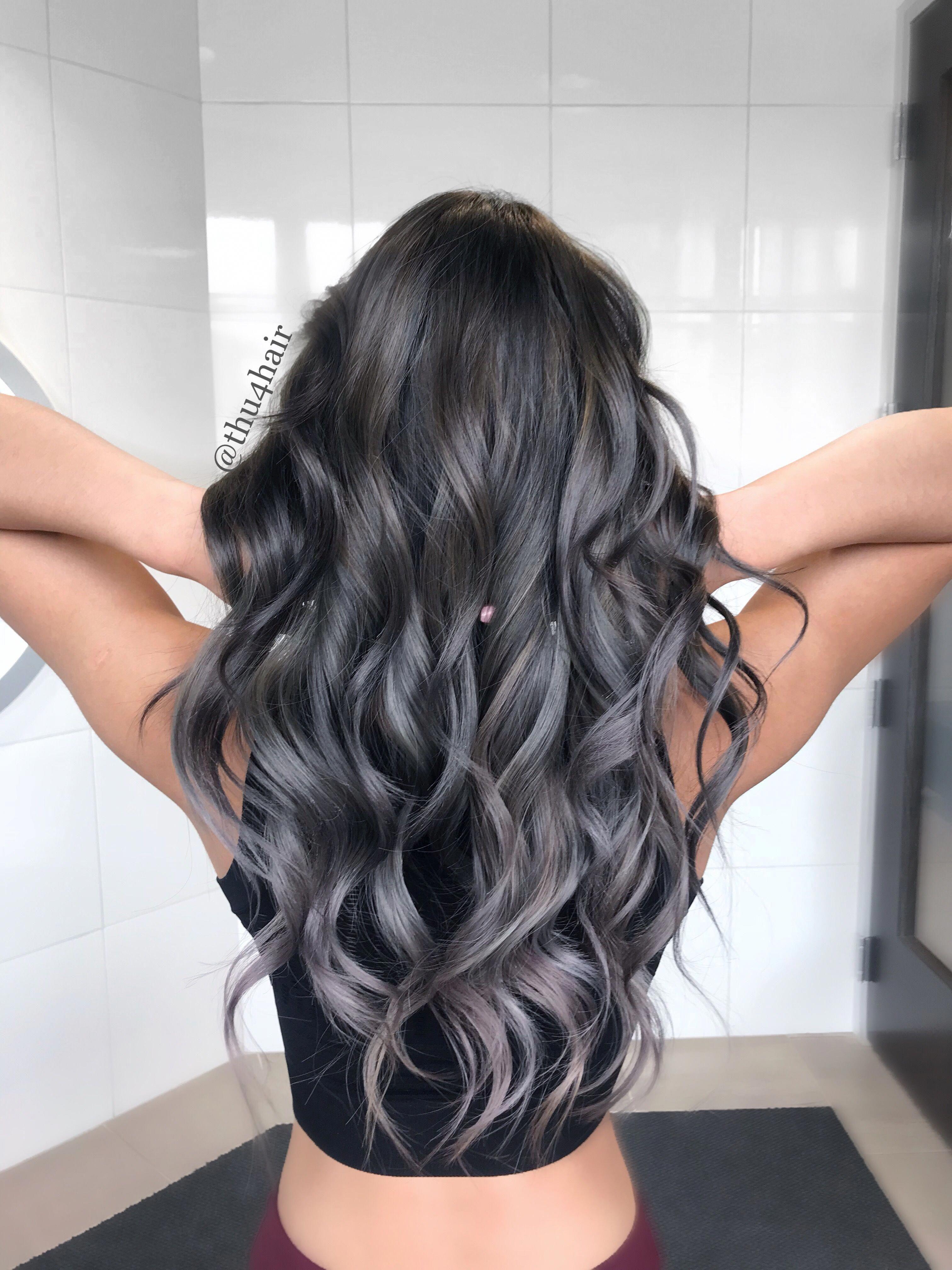 Silver Gray Balayage Guidetodifferenttypesofhairdye Grey Hair Color Silver Hair Color Hair Color Balayage