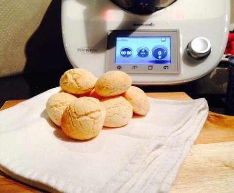 Recipe Pao De Queijo - Mini Brazilian Cheesy Bread Rolls by Richelle_Ryan - Recipe of category Breads & rolls