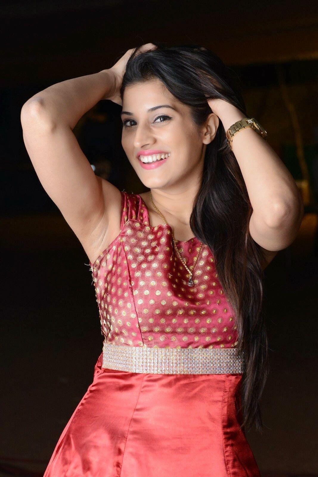 Sabha Khan Hot Videos