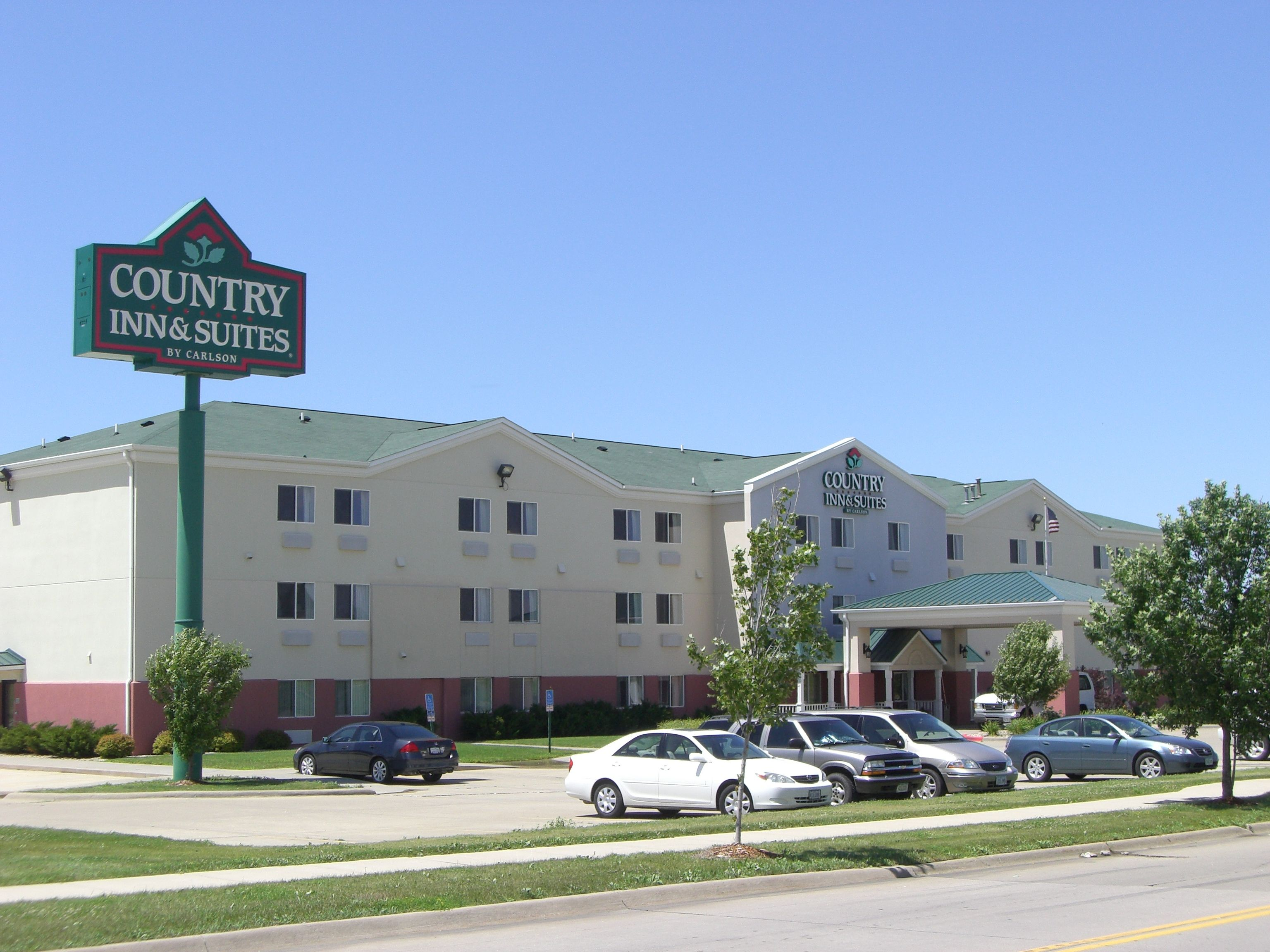 Country Inn & Suites in Cedar Rapids, IA is less than 25