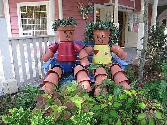 decora el jardn con figuras hechas con macetas de cermica