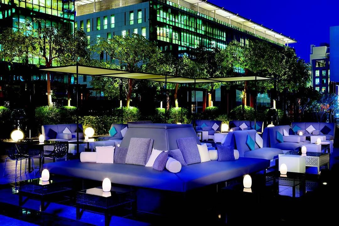 Amazing Rooftop Bar At Ritz Carlton Difc Led Lighting Supplied By Glp