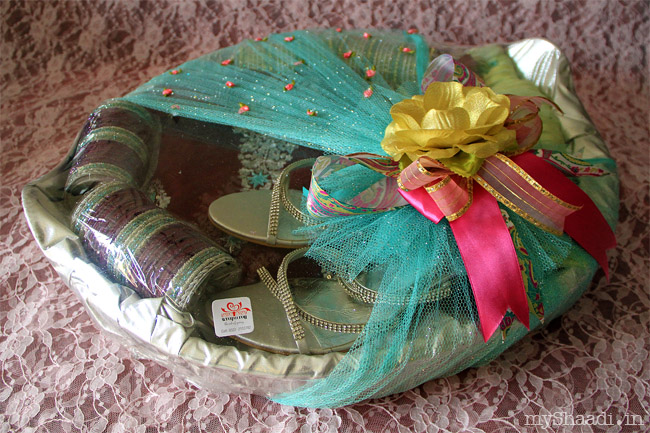 Trendy Wedding Gifts: How To Do Trousseau Packing - Google Search