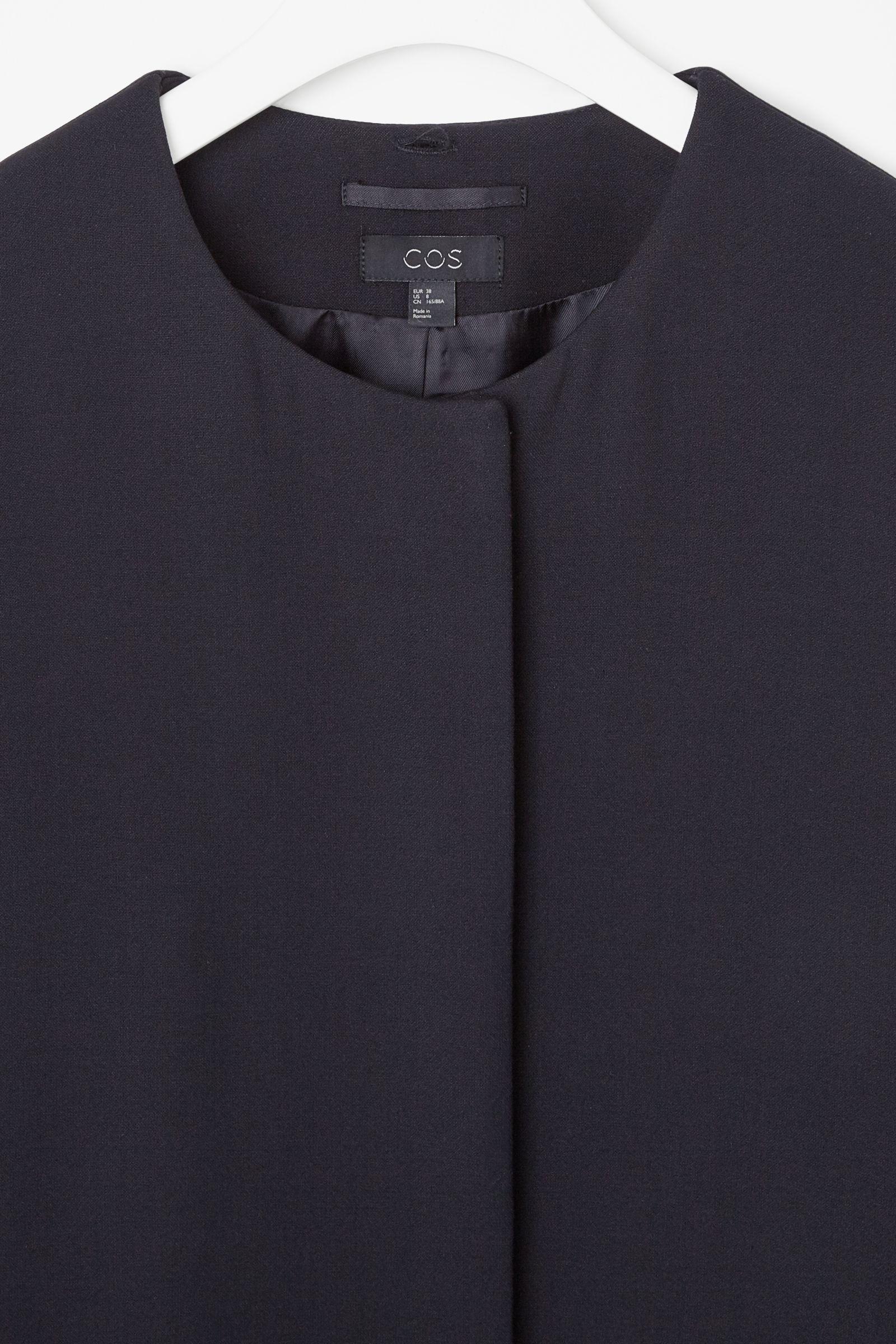 Detachable collar coat