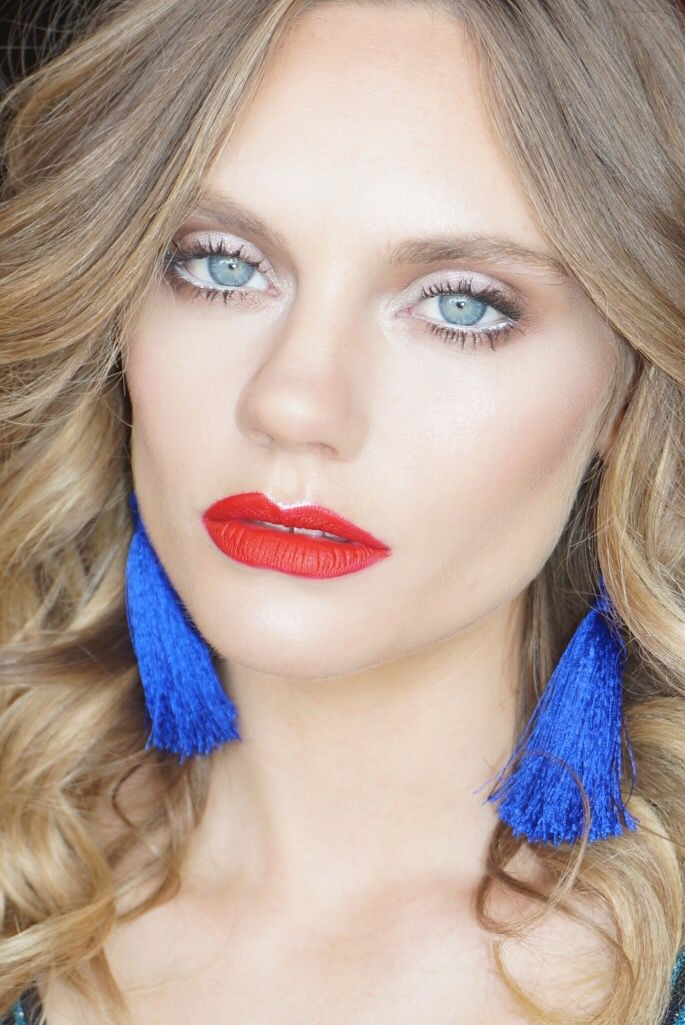 Beautiful red lips with a soft eye! Modern and chic
