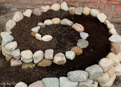 how to create a small vegetable garden using a garden spiral, gardening