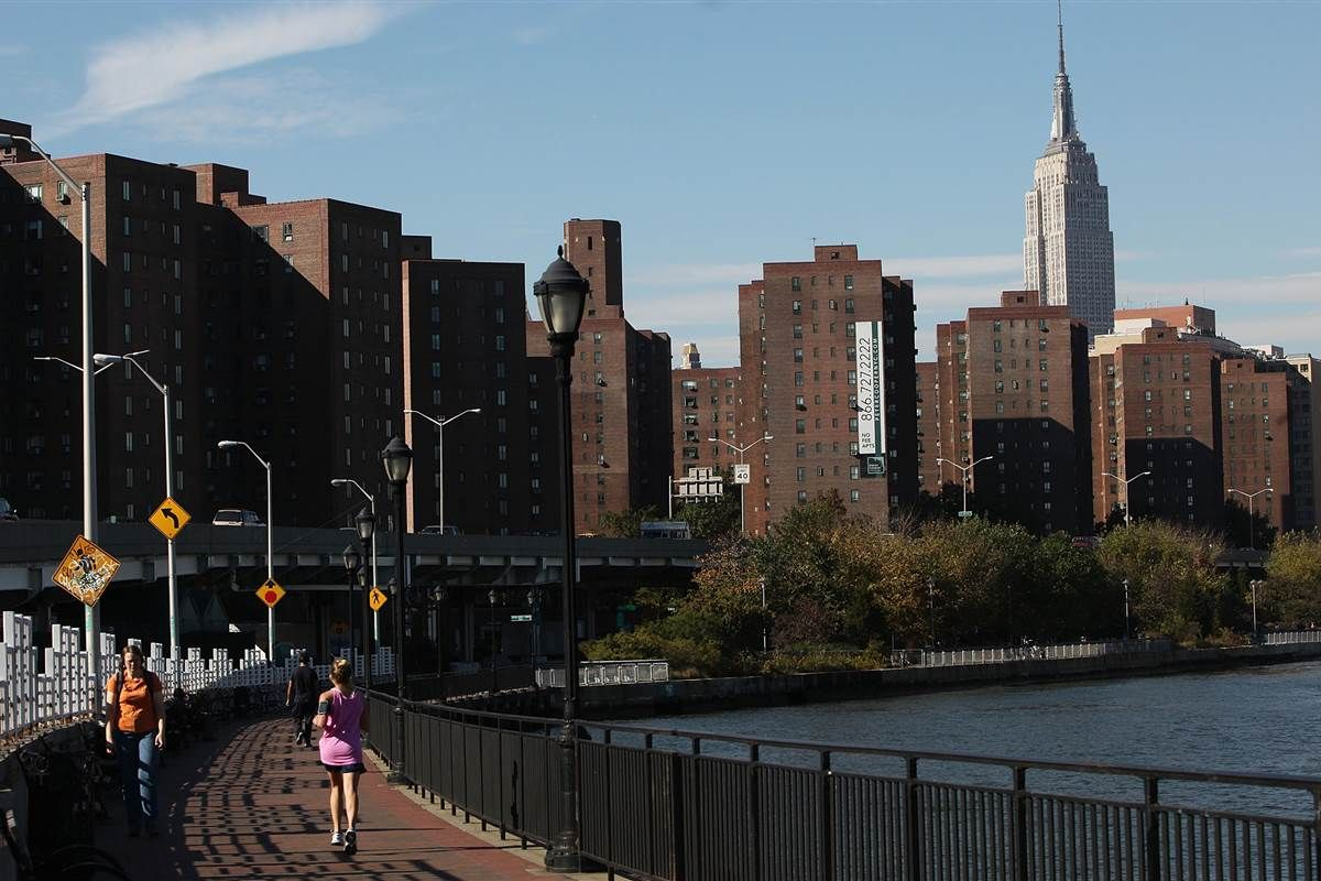 Looking Online For A Roommate Craigslist Isn T The Only Answer Stuyvesant Town Places In New York New City