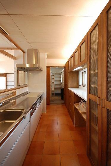 ステンレス台には白扉が合いそう キッチン キッチンアイデア
