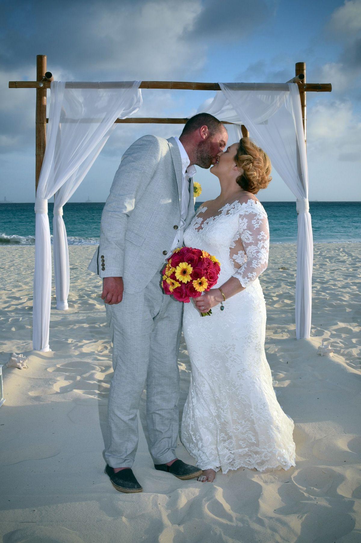 Pin By Divi Tamarijn Aruba All Incl On Wedding Lucy And Stuart