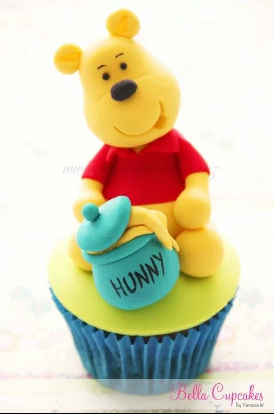 Pooh bear topper for cupcakes