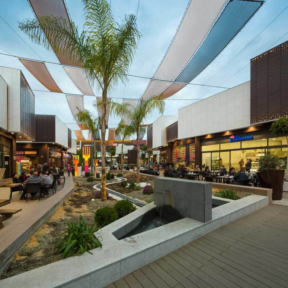 Broadway malyan completes one of carrefour s first for Landscape design center