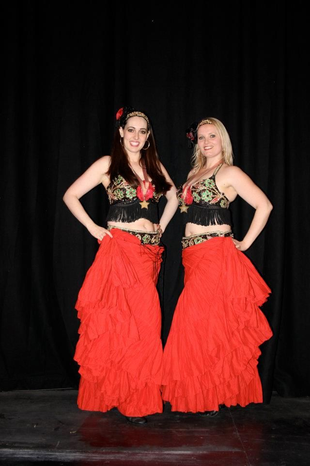 Dancers World is an online shop that specializes in selling perfect belly dance costumes, Arabian fancy dresses and Moroccan party costumes.