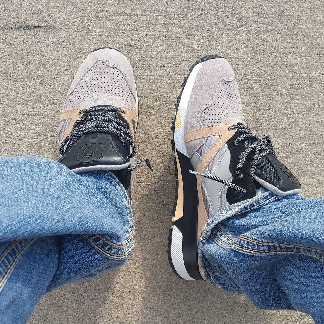 75 degrees right now in Charlotte figured I break out some spring heat.. Diadora SolySombra.. ____________________________________ #fastmoneyflykicks #obeymyfresh #complexkicks #complexsneakers #sneakerhead #wlu #xkg #44runners #soleassassins #solecollector #kicksonfire #kixnation #kickstagram #runnergang #crepecity #diadora #solysombra #cellphonerunners #kotd #krispysoles #sneakerslutz #sneakersaddict #sneakershoutouts #n9000 by wavy1nyc