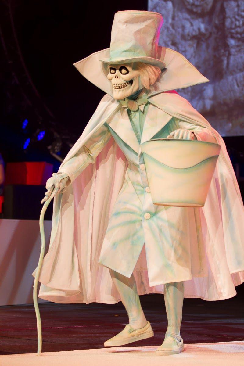 Excellent Hatbox Ghost Cosplay At A D23 Costume Challenge Ghost Halloween Costume Vampire Costume Diy Costume Craze