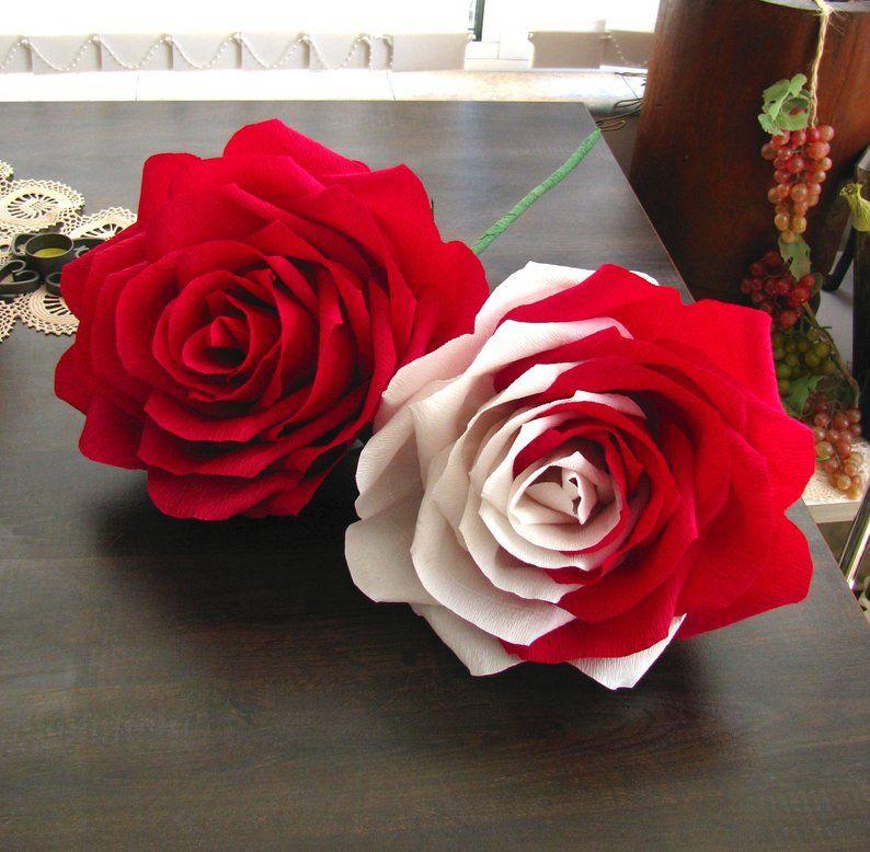 Mazzo Di Fiori Gigante.Tono Di Carta Gigante Fiore Due Rosa Scuro Rosso Rose Bianche