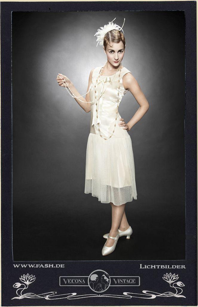Robe blanche style charleston