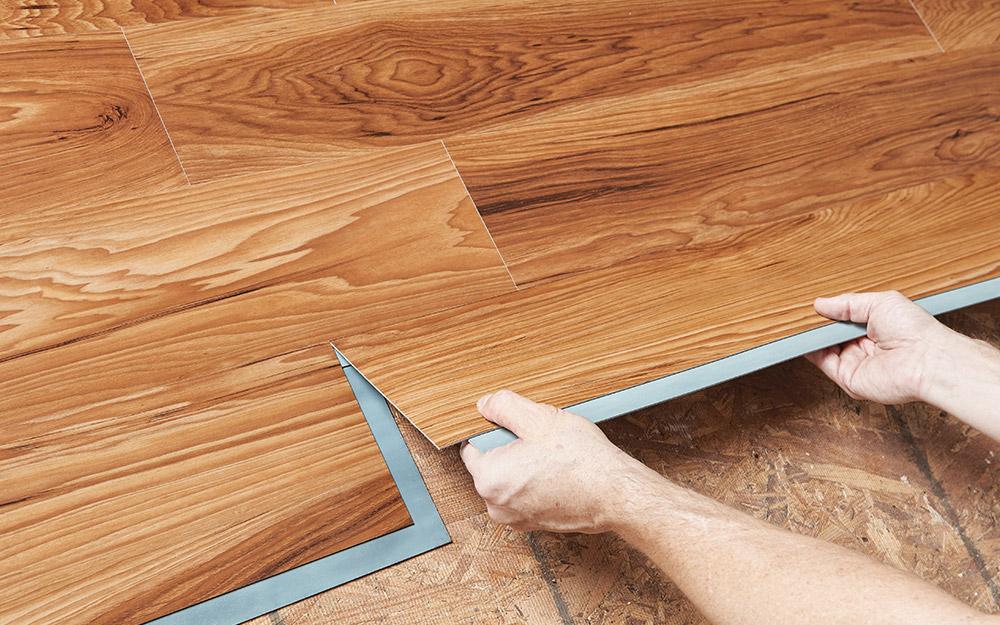 Installing Vinyl Plank Flooring, How To Install Laminate Wood Flooring Over Plywood