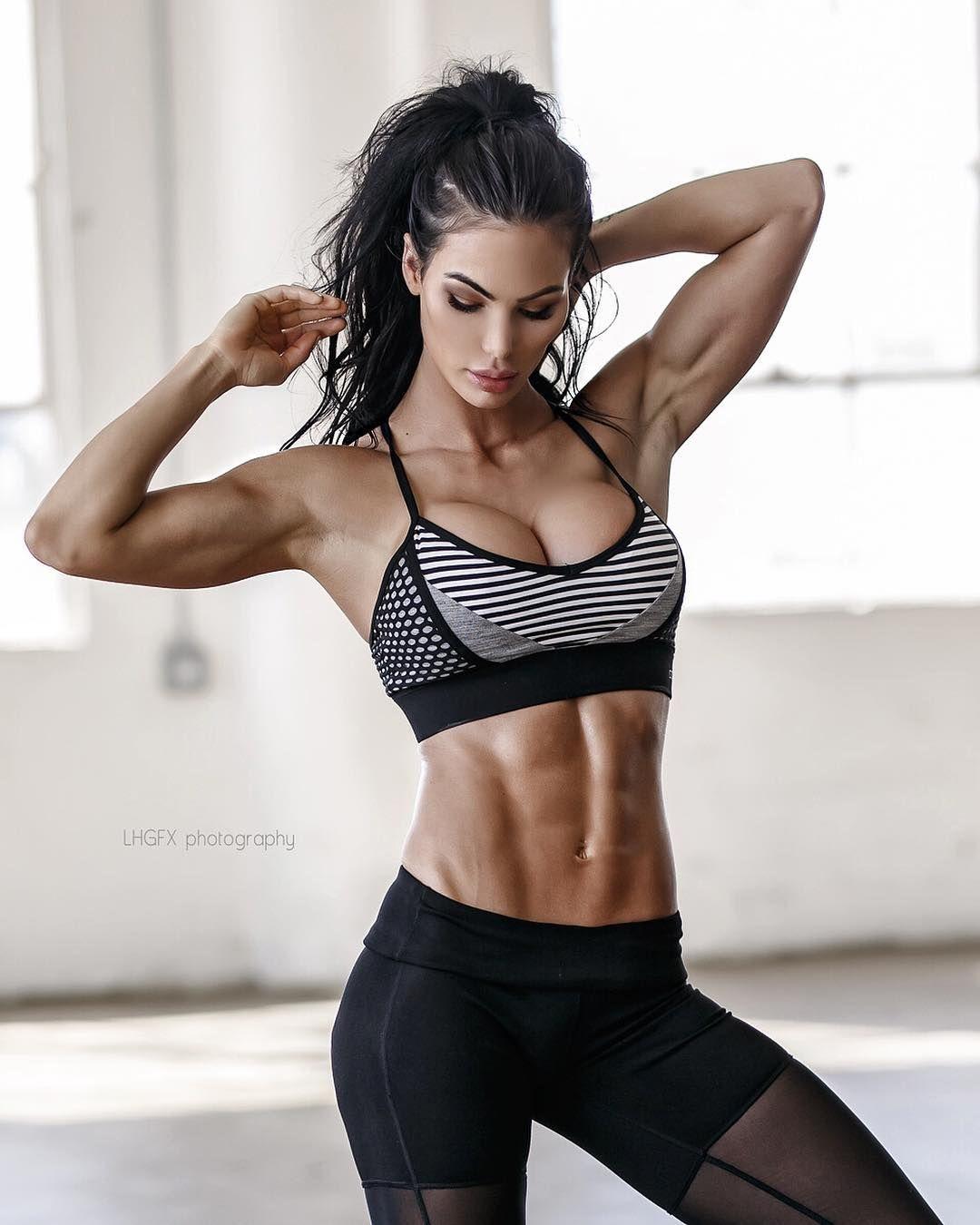 Katelyn Runck - katelyn_runck | #compready2 | Fitness models, Fitness, Fit women